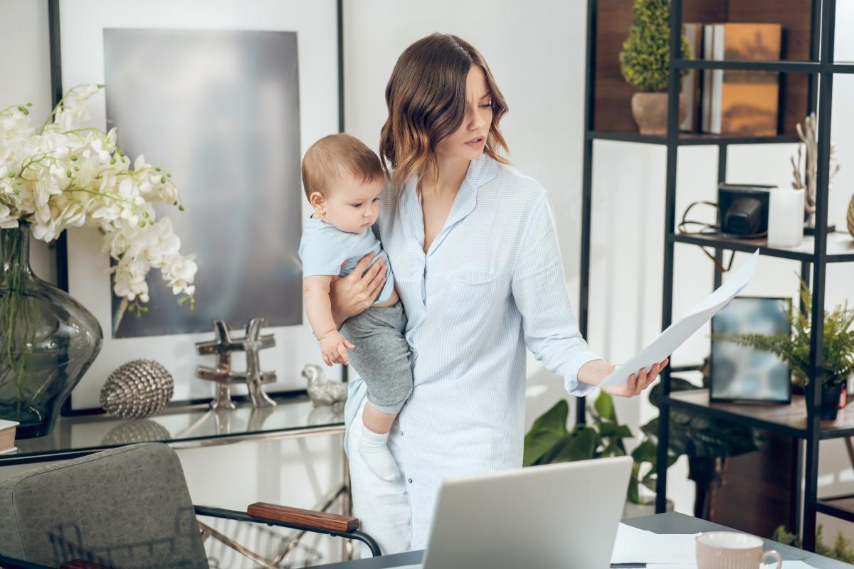 Conacyt abre convocatoria de la beca para madres solteras. Estos son los requisitos