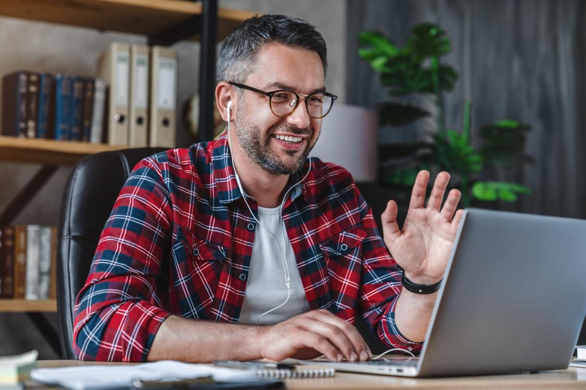 Cómo incorporar nuevos empleados en tiempos de trabajo en casa